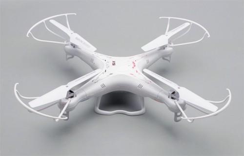 Vliegende Parrot Drone Quadcopter